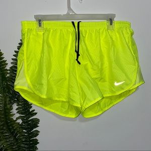 Nike Dri Fit Womens Tempo Shorts Volt L